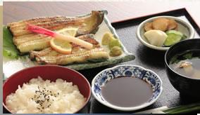 白焼き定食(上)3,500엔(부가세 포함)